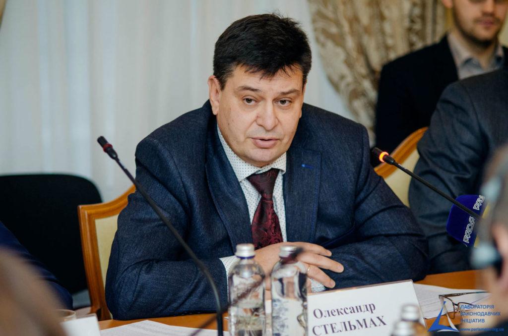 Chef de la Commission Électorale Centrale participe à faire tester la Blockchain NEM dans le système électoral